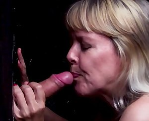 Old lady hook-up mature